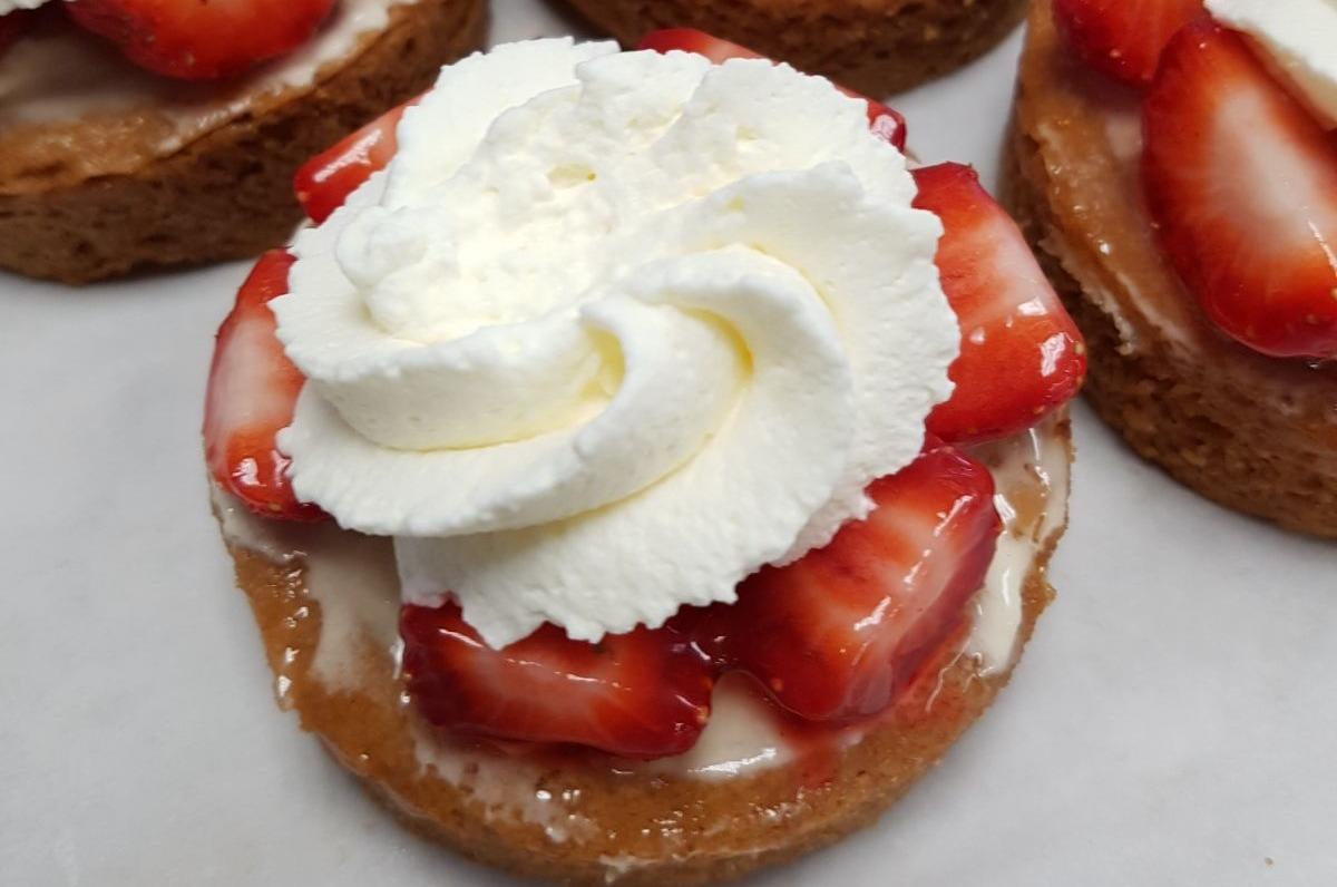 Aardbeien rondo met slagroom