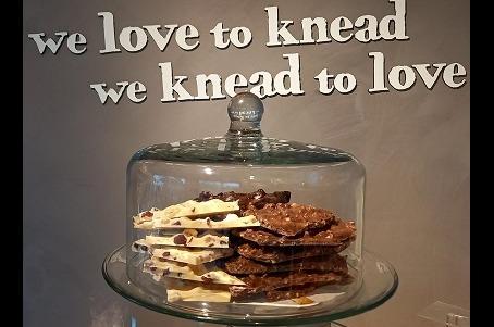 Breekchocolade per 100 gram- Melk Amaretinni Caramel-Zeezout